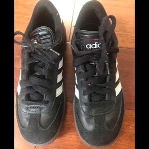 adidas Shoes - EUC Adidas Samba boys' Shoes - Size 3